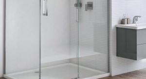 Dzięki dostępności zróżnicowanych kształtów i wymiarów, dopasowanie kabiny prysznicowej nie stanowi dziś wyzwania nawet w najmniej ustawnych łazienkach. Należy jednak pamiętać, że dla komfortu jej użytkowania znaczenie ma także wybór odpo