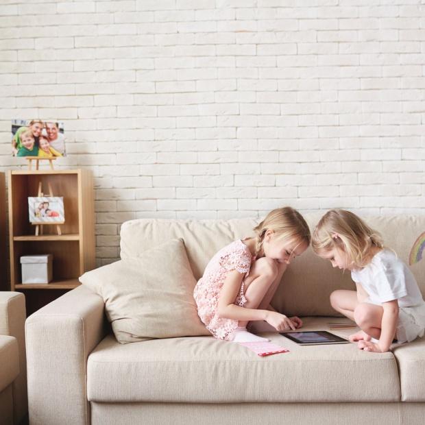 Jak wybrać sofę dla rodziny z dziećmi?