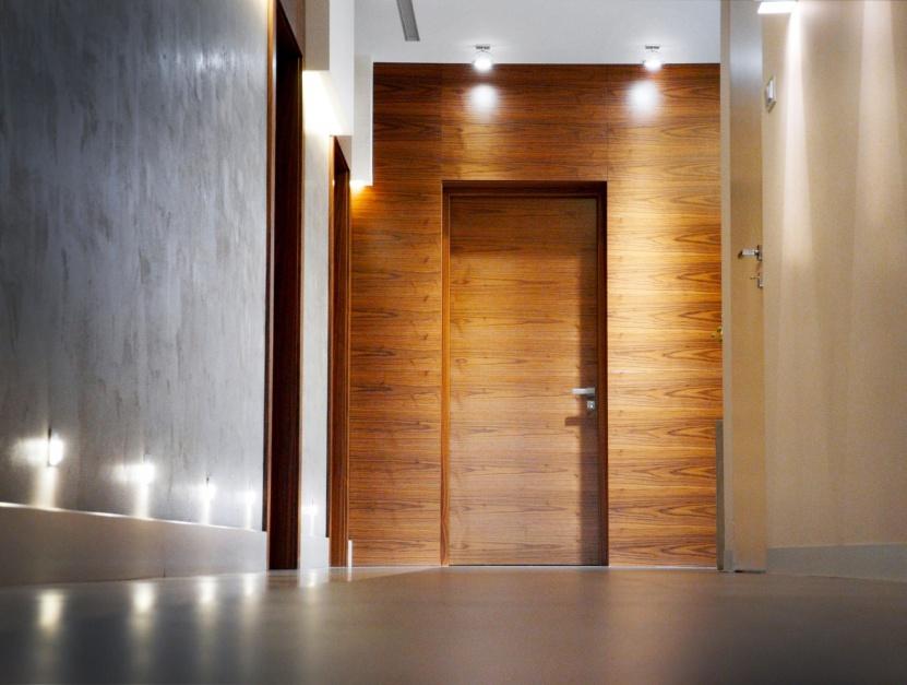 Drzwi techniczne z zabudową z paneli ściennych/Pol-Skone