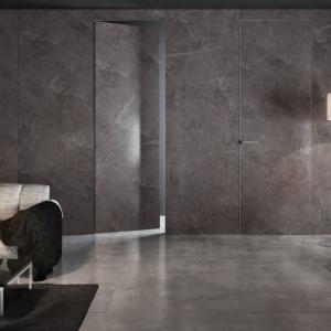 Drzwi z kolekcji spieków kwarcowych PIU Aluminium Line/Piu Design