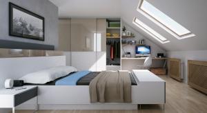Oddalone od domowego zgiełku poddasze z oknami wychodzącymi na niebo jest idealne, by urządzić tam sypialnię naszych marzeń.