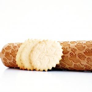 Wałek DUCHY przyda się do robienia dekoracji na masie cukrowej oraz idealnych ciasteczek na halloweenowe przyjęcie.149 zł, Valek Rolling Pins. Fot. Pakamera.pl
