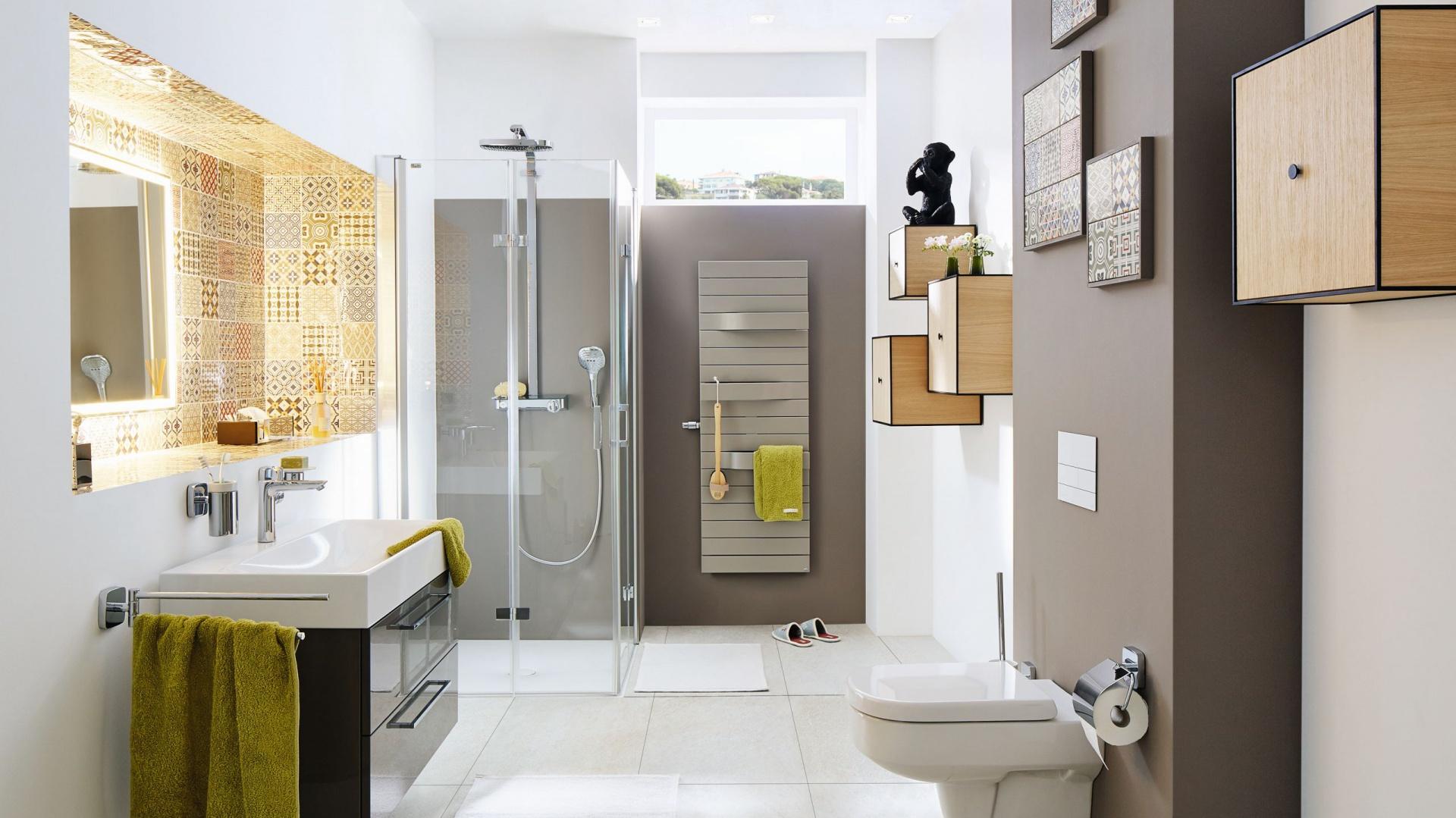 Często wystarczą nawet niewielkie zmiany, aby zmodernizować istniejącą przestrzeń łazienkową i nadać jej nową wartość. Można na przykład wymienić starą, wysłużoną ceramiczną umywalkę i zastąpić ją nowoczesnym, efektownym modelem ze stali emaliowanej. Fot. Kaldewei