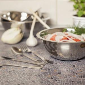 Kuchenny niezbędnik znakomicie uzupełnią miski w różnych, praktycznych rozmiarach, które możemy wykorzystywać do przyrządzania i podawania potraw. Fot. Galicja dla Twojego Domu