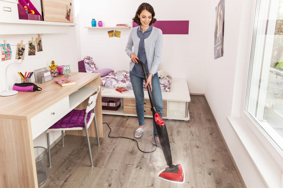 Sprzątanie mopem parowym jest bardzo komfortowe. Fot. Vileda
