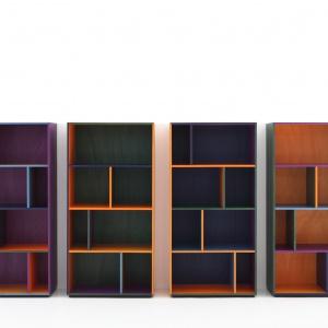 Moduły biblioteki RGB (element systemu przechowywania Modern) mogą być wykończone w sześciu kolorach ukazujących rysunek drewna, z którego wykonano mebel. Fot. Porro