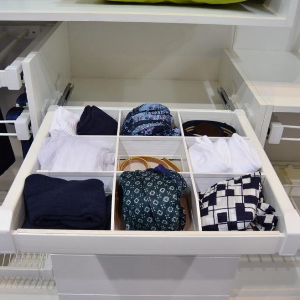 Jak optymalnie wykorzystać przestrzeń w garderobie
