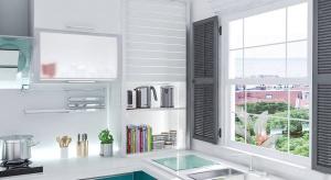 Jak zyskać miejsce w kuchni? Remont i przeprowadzka mogą nie być potrzebne, jeżeli zastosujemy kilka aranżacyjnych rozwiązań.