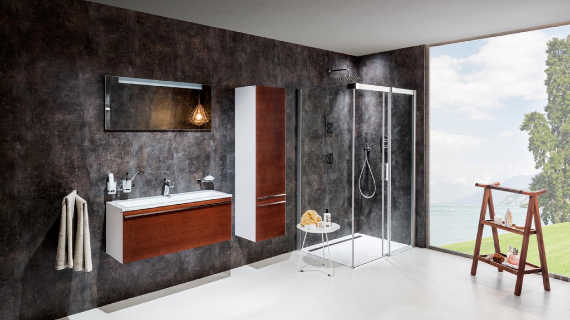 Kabina prysznicowa Matrix jest eleganckim rozwiązaniem przestrzeni prysznicowej z mechanizmem przesuwu. Fot. Ravak