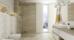 Kolor beżowy cieszy się niesłabnącą popularnością wśród Polaków urządzających wnętrza - również łazienki.