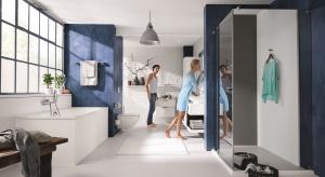 Ekrany dotykowe, aplikacje na urządzenia mobilne – te dobrze już nam znane z życia codziennego nowinki techniczne znajdują także zastosowanie w... łazience.
