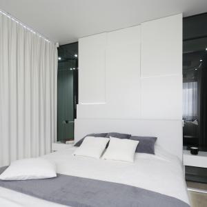 To propozycja wnętrza dla miłośników minimalizmu. Projekt: Małgorzata Muc, Joanna Scott. Fot. Bartosz Jarosz