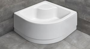 Instalacja kabiny prysznicowej to wygodne rozwiązanie, które sprawdzi się w każdej łazience – małej czy dużej, a odpowiednio dobrany brodzik jest niezbędny.