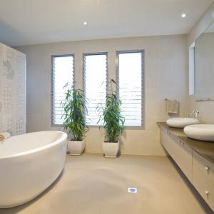 Duża łazienka: zaprojektuj ją nowocześnie