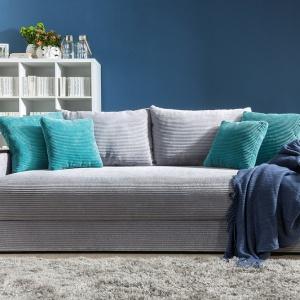 Trzyosobowa sofa Peter Mega dostępna w ofercie marki Black Red White. Fot. Black Red White