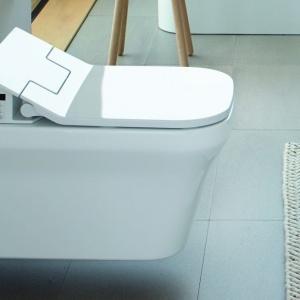 Toaleta z funkcją mycia SensoWash Slim. Fot. Duravit