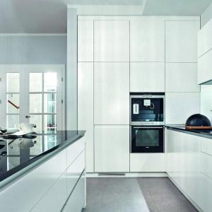 Nowoczesne mechanizmy w kuchni. Fot. Studio Wach - Max Kuchnie.