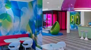 Celem powstałej w 2006 roku marki prizeotel jest stworzenie sieci niekonwencjonalnych, a przy tym niedrogich hoteli we wszystkich większych niemieckich miastach. Pierwszy zbudowano w Bremie, a zaprojektował go Karim Rashid. Zleceniodawcy tak spodobał