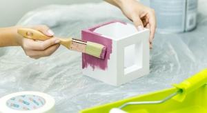 Lumigesso to wyjątkowa seria opraw o oryginalnym designie i stylowej formie, wykonana z białego gipsu. Każda z opraw w serii może pozostać biała, jeśli cenimy minimalistyczne, stonowane wnętrza lub możemy przemalować ją na dowolny kolor