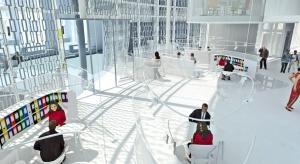 Projekt obejmuje przebudowę budynku miejskiej willi z lat 20. XX wieku oraz rozbudowę o nową część. W obu częściach zlokalizowane zostaną funkcje biurowe.