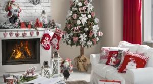 Przygotowania do Bożego Narodzenia mogą nam sprawić tyle samo radości, co świętowanie. Przystrajanie domu to jedna z tych tradycji, która wprawia nas w magiczny nastrój.