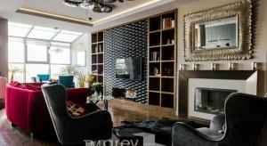 Niezwykły apartament urządzony w stylu eklektycznym, pełen nasyconych barw.