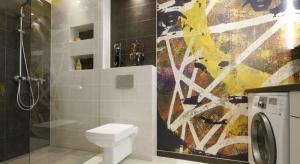 W strefie prysznica bez brodzika mogą funkcjonować wszystkie rodzaje kabin - od półokrągłych, przez drzwi wnękowe, po składające się w harmonijkę. Sprawdźcie nasze przykłady.