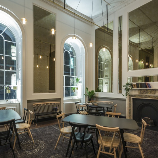 Klimatyczna restauracja w Londynie