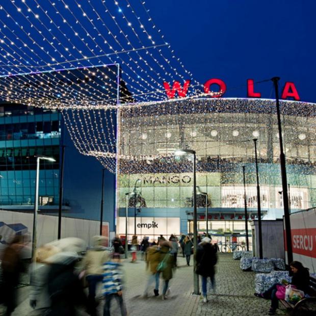 Imponująca iluminacja centrum handlowego Wola Park
