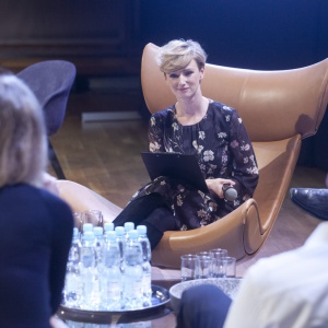 Debatę inaugurującą Forum Dobrego Designu poprowadziła Urszula Chincz, znana dziennikarka telewizyjna. Fot.  Paweł Pawłowski, Piotr Waniorek