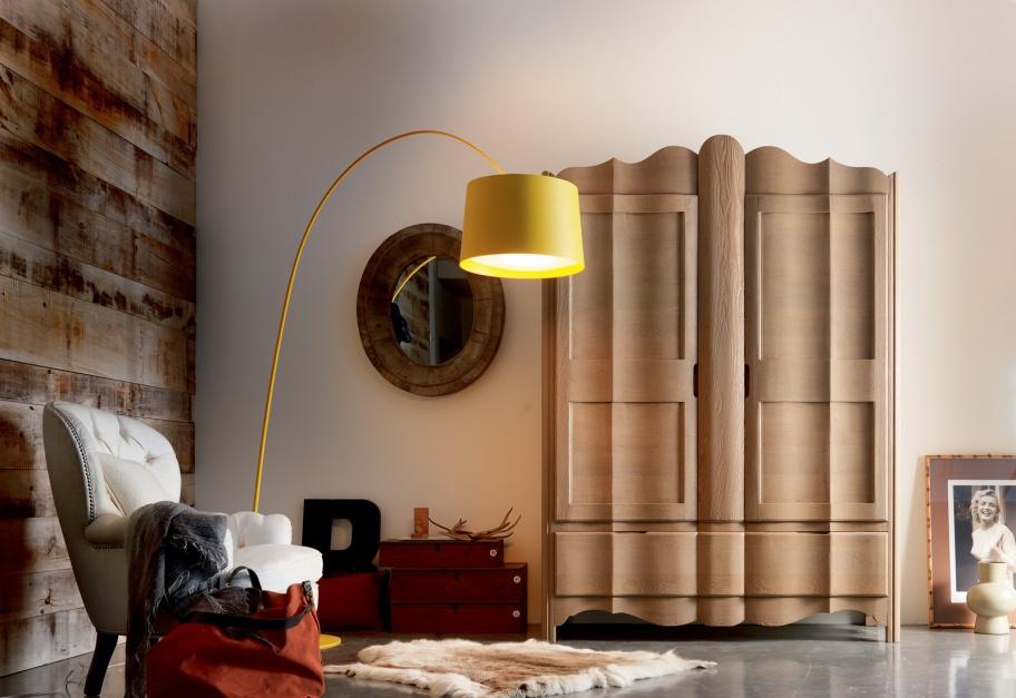 Trzydrzwiowa drewniana szafa Liberty marki Giusti Portos. Fot. Giusti Portos
