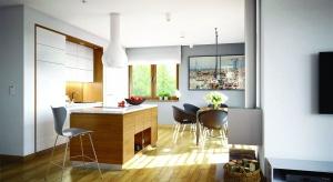 Riko III G2 to energooszczędny dom zamknięty w modnej bryle nowoczesnej stodoły.