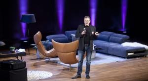 Gościem specjalnym Forum Dobrego Designu był Henrik Pedersen - jeden z najbardziej uznanych duńskich projektantów. Designer otworzył wydarzenie swoją prezentacją, wziął udział w dyskusji inauguracyjnej, a także zgodził się z nami porozmawiać