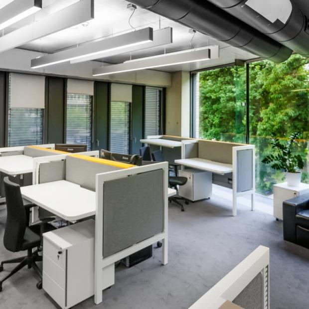 Miejsce do pracy zaprojektowane specjalnie pod Ciebie: designerskie biurka