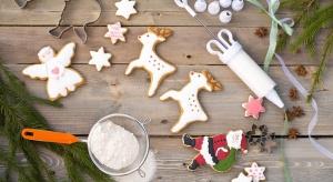 Przygotowanie ciasteczek na święta wymaga kilku niezbędnych akcesoriów, które sprawią, iż kawałki ciasta zamienią się w postaci i atrybuty charakterystyczne tylko dla Bożego Narodzenia.