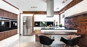 Urządzenia AGD w kuchni muszą byćsolidniewykonane, charakteryzować się nowoczesnym designem i mieć wiele dodatkowych funkcji. W przypadku urządzeń AGD nie warto oszczędzać, często lepiej wydać więcej i dłużej cieszyć się zakupionym sp