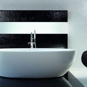 Płytki ceramiczne: modne aranżacje w bieli i czerni