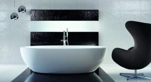 Biel i czerń to klasyczne kolory, dlatego wydawać by się mogło, że możliwości, które oferują nam podczas urządzania wnętrza są ograniczone.