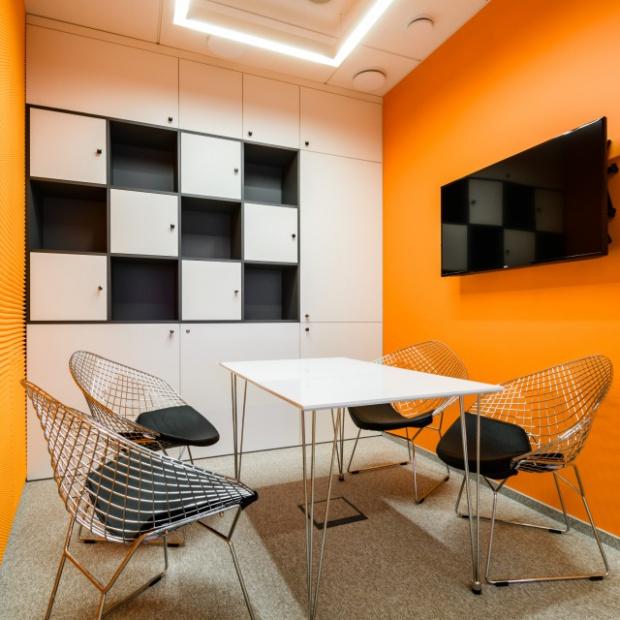 Nowe biuro AXA w nieszablonowym stylu