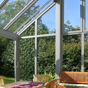 Pokój z widokiem, czyli jak zbudować ogród zimowy. Fot. Building Glass Polska