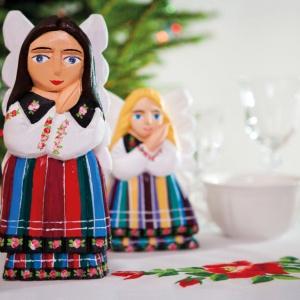 Rzeźby ludowa Anioły łowickie. Fot. Folkstar.pl
