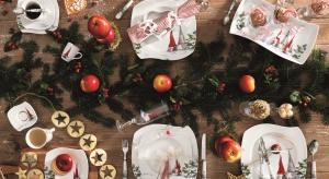 Wyjątkowy klimat na stole pozwoli stworzyć serwisporcelanowy z wizerunkiem skrzatów i choinek.