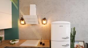 Urządzając kuchnię stoimy przed wieloma ważnymi decyzjami. Oprócz wyborumeblii sprzętu AGD należy odpowiednio zaaranżować ścianę nadblatemkuchennym.