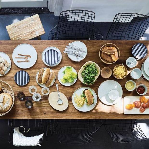 Stół na święta: dla miłośników nowoczesnej aranżacji