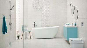 Biała łazienka to ponadczasowy wybór na tę przestrzeń w domu czy mieszkaniu. Aranżacja w kolorach zimy to przede wszystkim chłodne odcienie bieli, okraszone - również chłodnymi - srebrzystymi lub błękitnym detalami.