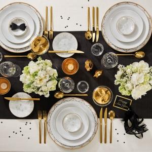 Sylwestrowa dekoracja stołu. Serwis Diamond zaprojektowany projektantów firmy jubilerskiej Dyrberg/Kern. Fot. Fyrklövern
