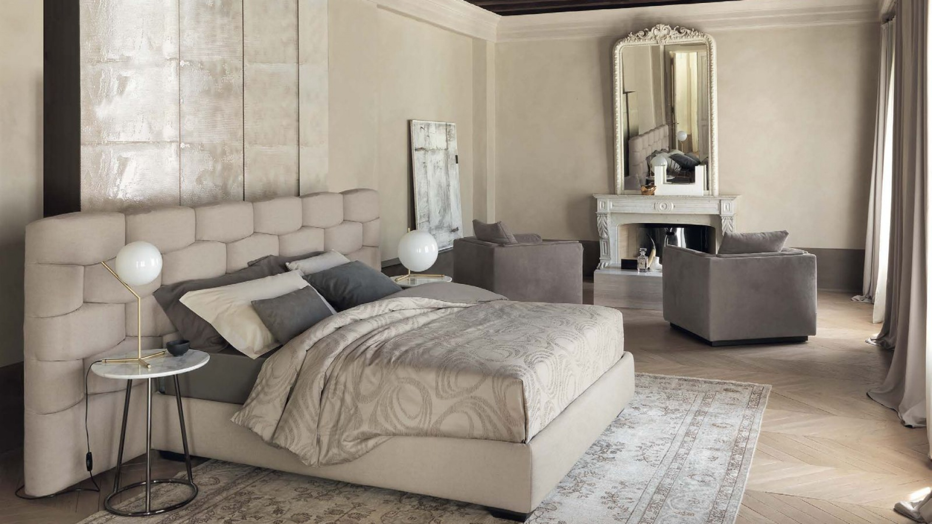 Efektowne łóżko Majal marki Flou. Fot.  Flou / Galeria Heban