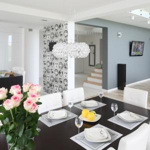 Tak swój dom samodzielnie zaprojektowali właściciele. Projekt: Karolina i Artur Urban. Fot. Bartosz Jarosz