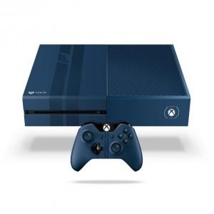 Limitowane edycje XBOX ONE i XBOX ONE S z niestandardową konsolą z kontrolerem oraz pełną wersją gry, którą inspirowany jest design zestawu. 1.799 zł (Forza Motorsport 6), 1.999 zł (Gears of War 4). Fot. Xbox