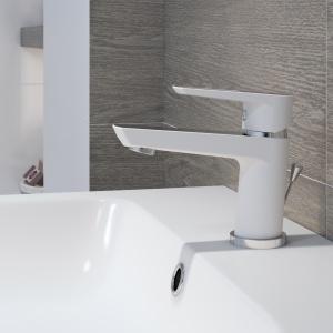 Bateria łazienkowa Mille w białym kolorze. Fot. Cersanit